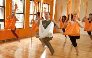 Cvičení ve vzduchu – to je vzdušná jóga