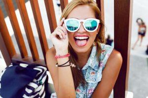 Bez slunečních brýlí v létě ani krok! I vaše oči potřebují ochranu
