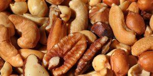 Nasypte si hrstku štěstí … Zbavte se stresu díky ořechům!