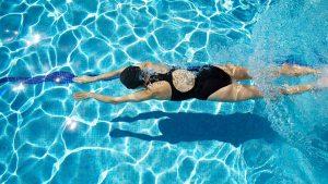 Většina lidí ví, že plavání je zdravé. Ale ono je skvělé nejenom pro zdraví těla, ale také pro vaši mysl a duši!